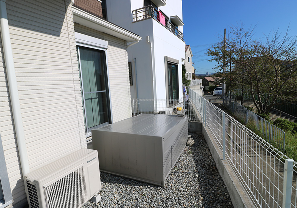 神戸市垂水区 T様邸【フェンスの修繕・物置の交換】 のビフォー画像1
