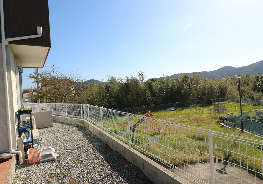 神戸市垂水区 T様邸【フェンスの修繕・物置の交換】 のビフォー画像5