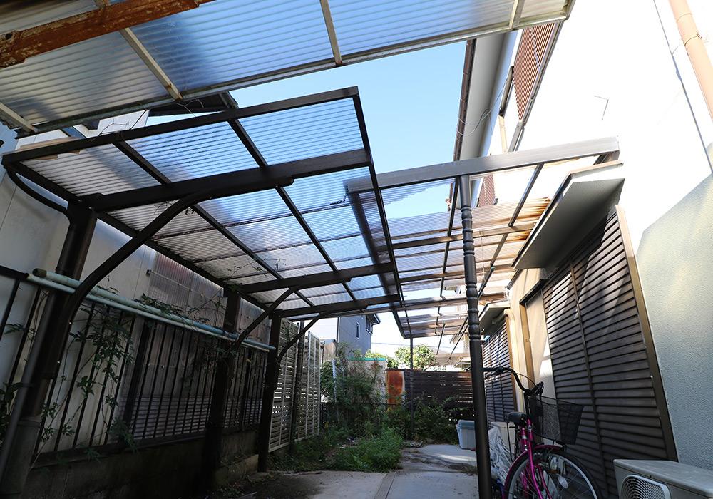 三木市 A様邸【カーポート・テラス屋根の修繕】 のビフォー画像1