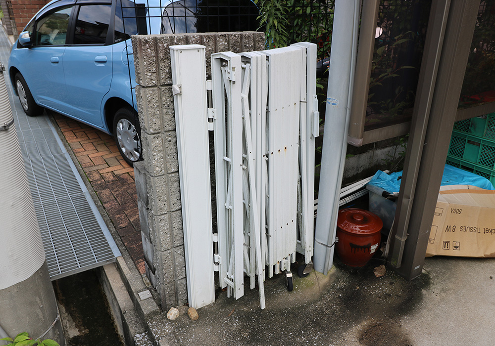 神戸市西区 T様邸【雨樋・伸縮門扉】 のビフォー画像3