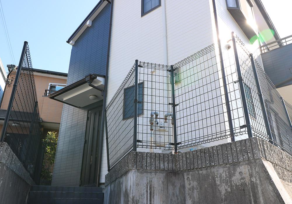 神戸市垂水区 B様邸【フェンスの修繕】 のビフォー画像1
