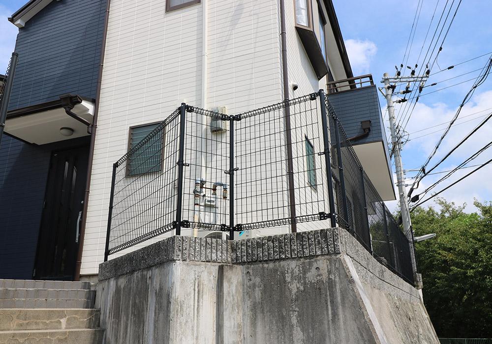 神戸市垂水区 B様邸【フェンスの修繕】 のアフター画像1